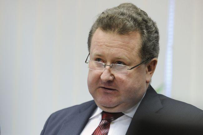 SaS: Expredseda regulačného úradu Jozef Holjenčík naďalej chodí na ÚRSO