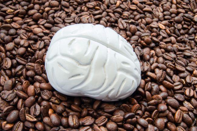 Toto urobí šálka kávy s vaším mozgom a telom