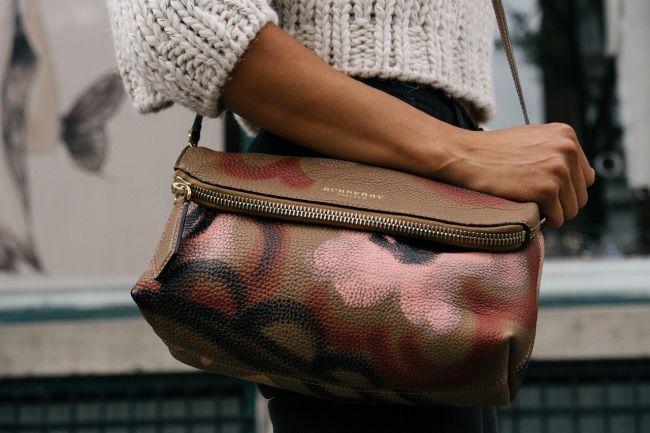 10 vecí, ktoré nesmú chýbať v kabelke žiadnej ženy