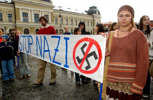 Xenofóbne nálady na Slovensku sa zhoršili pre migračnú krízu aj politikov