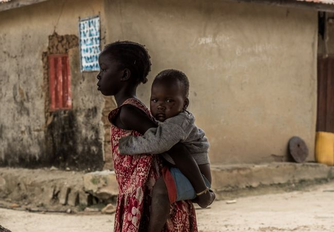V Nigérii zaznamenali 450 možných prípadov horúčky lassa