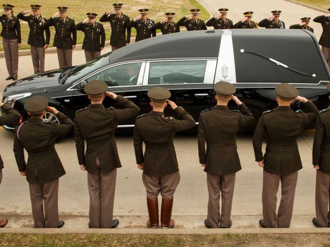 S Barbarou Bushovou sa prišli rozlúčiť štyria bývalí prezidenti