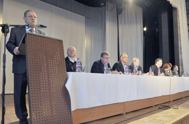 Bývalí politici HZDS a SNS chcú priniesť zásadné zmeny v politickej kultúre