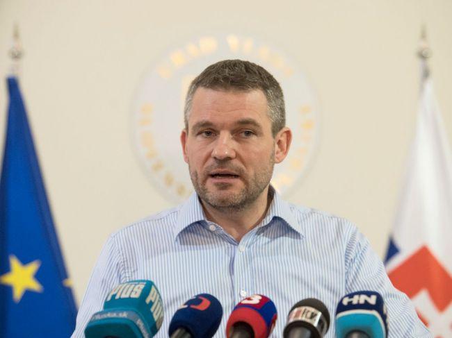 Premiér sa chce pre vraždu novinára stretnúť so šéfom PZ a prokurátormi