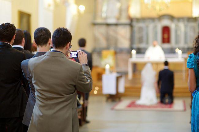 Svadobní hostia sa najčastejšie sťažujú na týchto 10 vecí