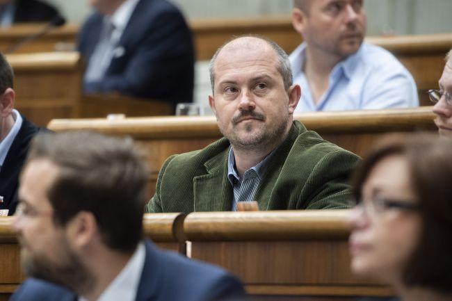 Andrej Danko bude iniciovať opatrenia s cieľom zrušiť ĽSNS