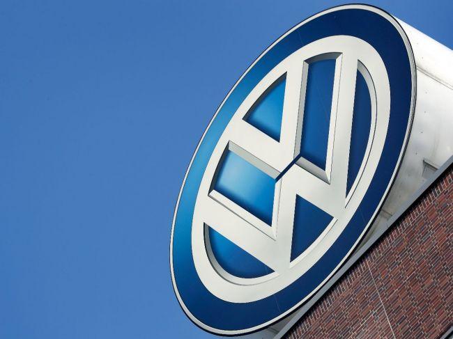 VW odstavuje vozidlá na budúcom berlínskom letisku v Schönefelde