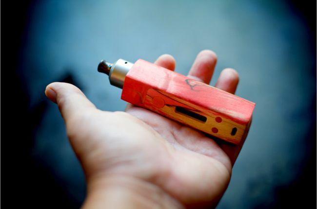Elektronické cigarety ovplyvňujú imunitné bunky v pľúcach a zápal