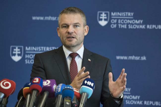 Premiér: Na Slovensku je priestor, aby bola minimálna mzda 520 eur