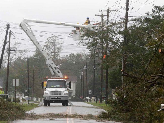 Počet obetí hurikánu Florence sa zvýšil na 11