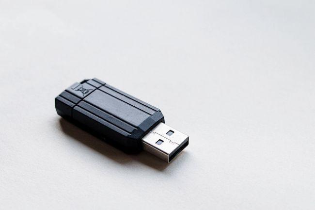 USB kľúče sú zneužívané aj na ťažbu kryptomien