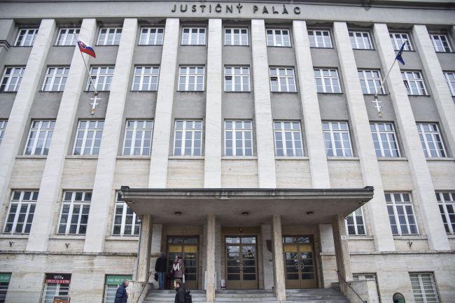 Justičný palác evakuovali pre bombovú hrozbu