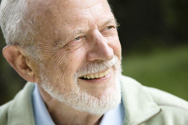 94-ročný doktor prezradil, akému jedlu vďačí za to, že nikdy neprechladne ani neochorie