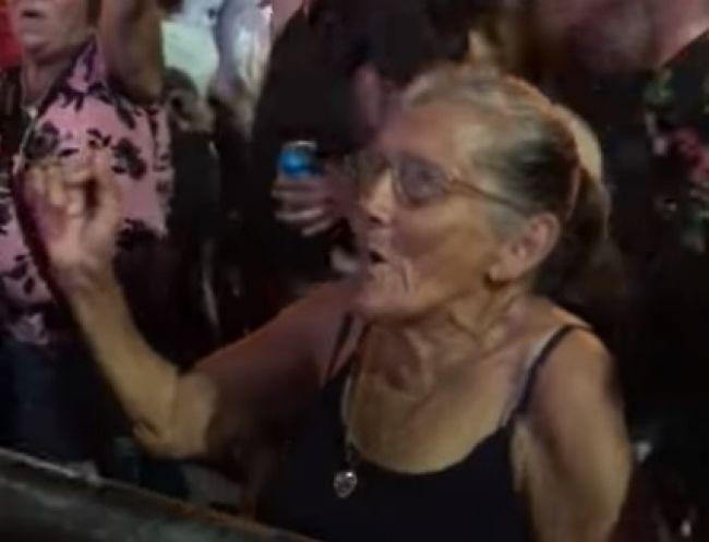 Video: Babka to na koncerte poriadne roztočila!
