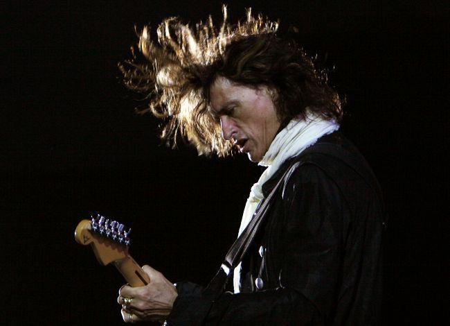 Bývalý gitarista Aerosmith Joe Perry zrušil individuálne turné