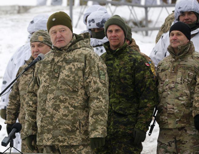 Porošenko sa zaviazal priviesť domov námorníkov zajatých Ruskom