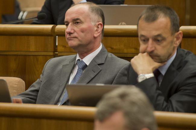 SaS vyzvala opozíciu, aby nehlasovala za zastropovanie dôchodkového veku