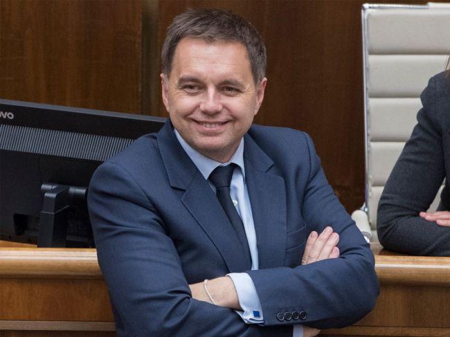 Poslanci schválili Kažimíra za nového guvernéra NBS