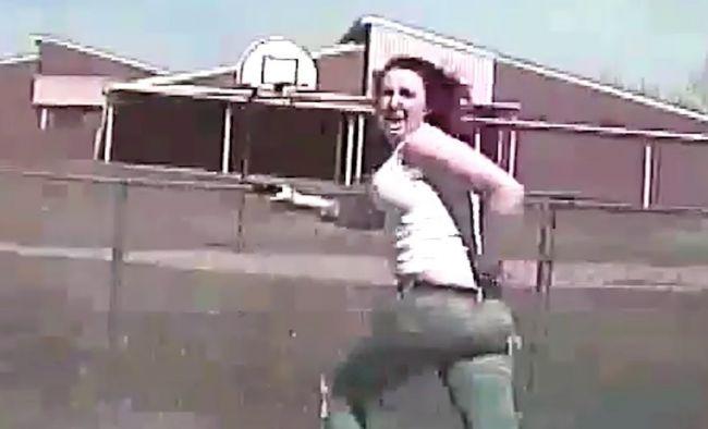 Video: Polícia zverejnila záznam, na ktorom zrazila ženu