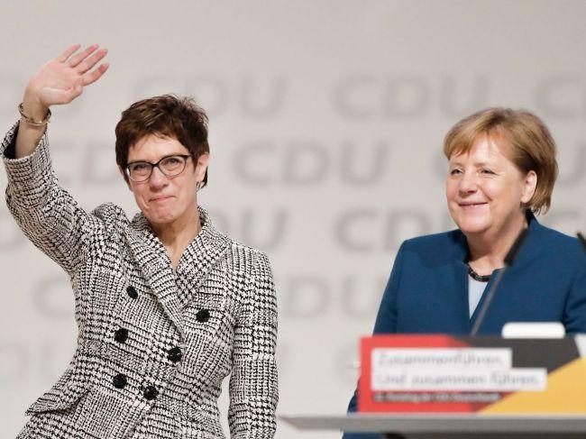 Nemecko: Merkelovú na čele CDU nahradí Annegret Krampová-Karrenbauerová