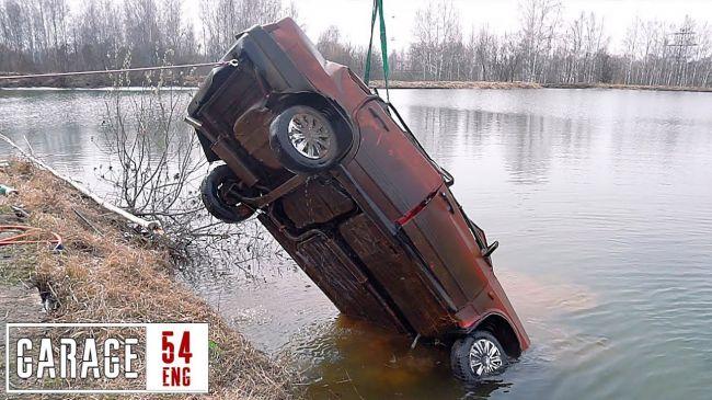 VIDEO: Stará Lada strávila 6 mesiacov na dne jazera! Naštartuje?