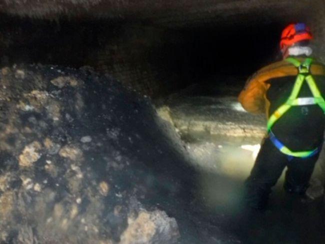 Kanalizáciu v britskom meste upchal 64-metrov dlhý šúľanec tuku a utierok