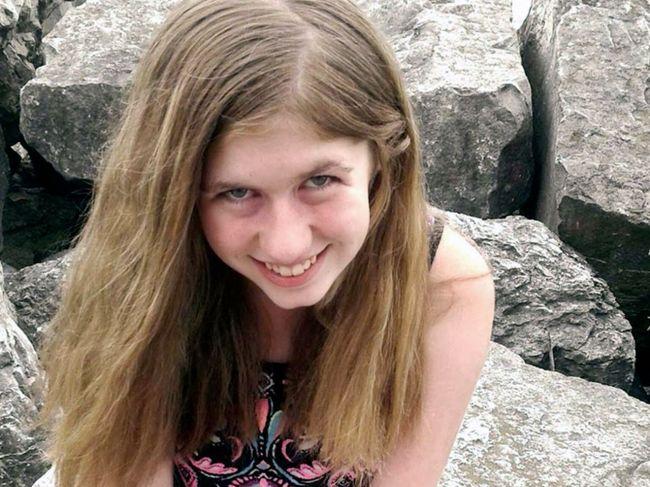 Našli 13-ročné dievča, ktoré uniesli po vražde jej rodičov