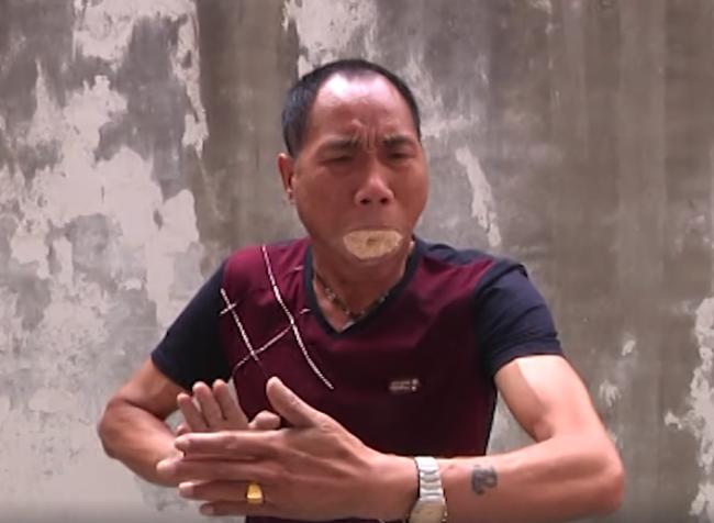 Video: Majster kung-fu si dá do úst piliny a zmení sa na draka. Jeho talent vás uchváti