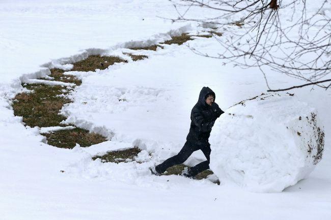 Predpoveď počasia: Koniec týždňa prinesie snehovú nádielku