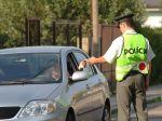 Nová technika pomôže slovenským policajtom odhaľovať vodičov s mobilom v ruke!