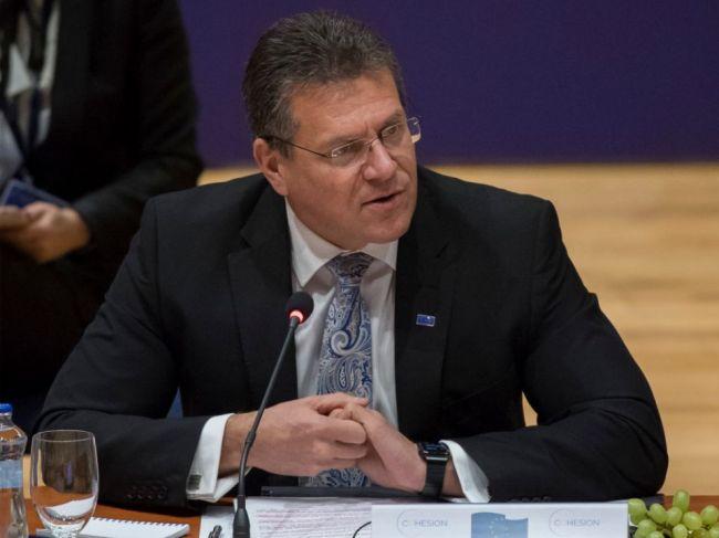 Šefčovič má podporu vedenia Smeru-SD, ak sa rozhodne kandidovať