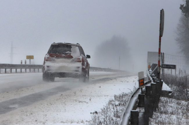 V Žilinskom kraji je mimoriadna situácia pre snehovú kalamitu v 27 obciach