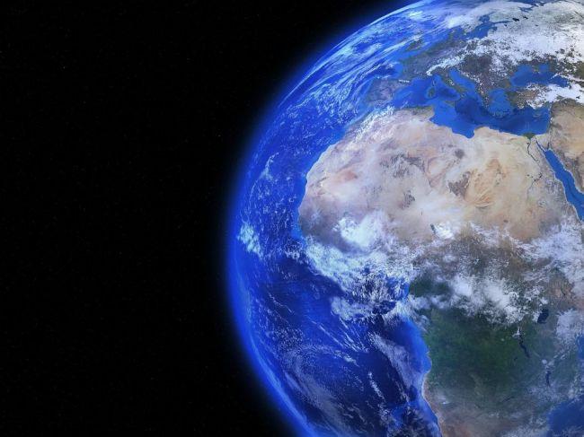 Zemi hrozí stále zrážka s inými telesami, mnohé sú ešte neobjavené