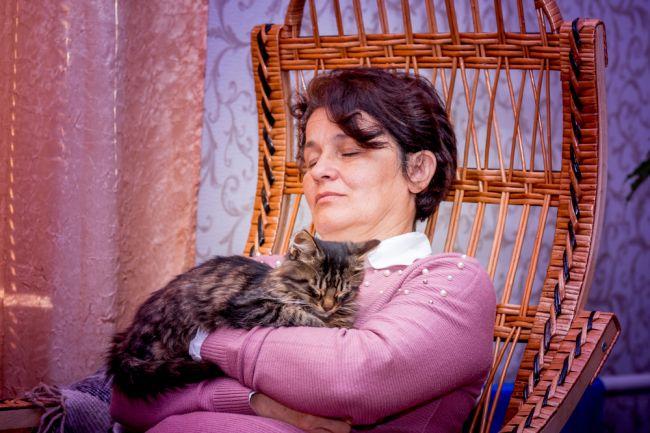 Ako ovplyvňuje hojdanie spánok a pamäť v dospelosti