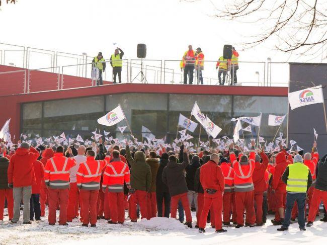 Zamestnanci nemeckého závodu Audi v Maďarsku dosiahli zvýšenie miezd