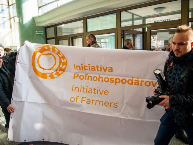 Matečná vníma protest farmárov ako politickú aktivitu