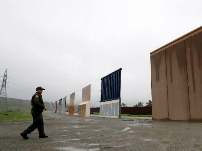 Guvernér Kalifornie nariadil stiahnutie Národnej gardy z mexickej hranice