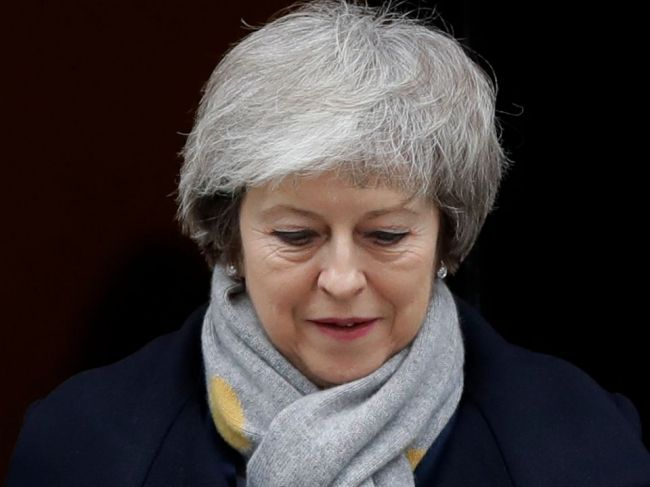 Britská premiérka Mayová v lete údajne odstúpi