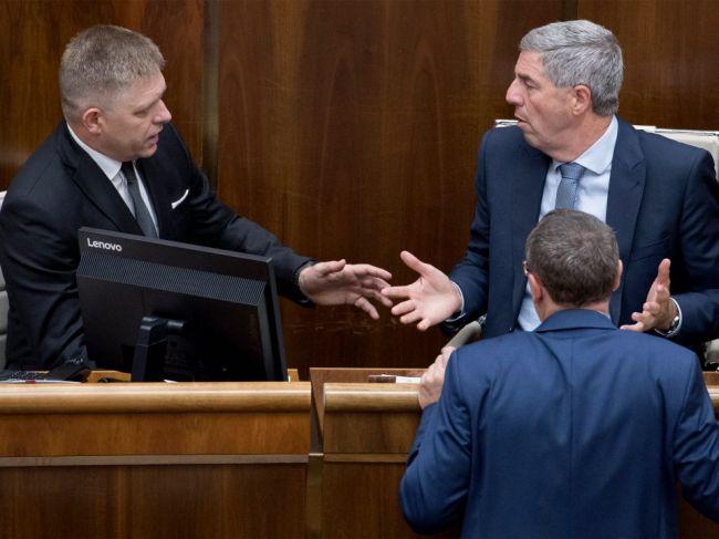 Bugár si nemyslí, že by pre situáciu okolo voľby mala padnúť vláda