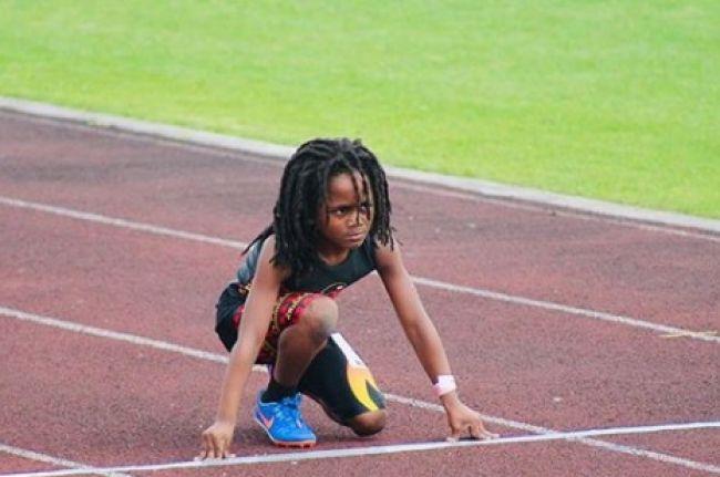 Video: 7-ročného chlapca prirovnávajú k Boltovi. Podarilo sa mu prekonať rekord na 100m