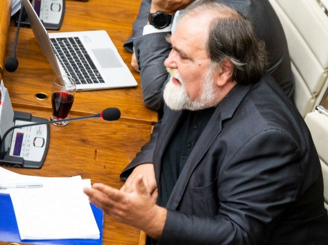 Poslanci presunuli opakovanú voľbu kandidátov na ústavných sudcov