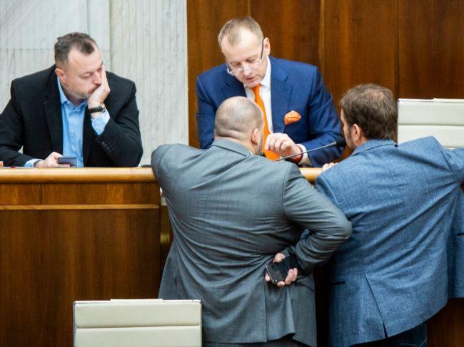 Opozičné strany idú rokovať o kandidátoch na ÚS, diskusie avizovala aj koalícia