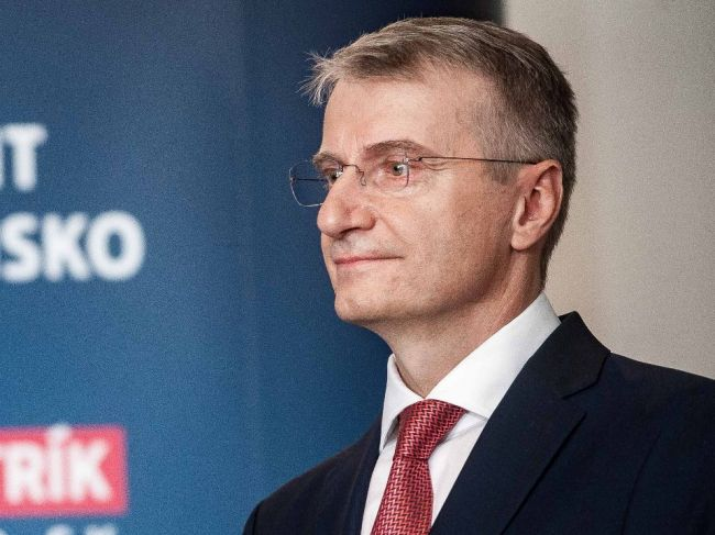 Mistrík i Čaputová cítia šancu poraziť v druhom kole Šefčoviča