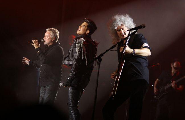 Skupina Queen vystúpi na udeľovaní Oscarov