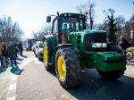 Nespokojní farmári prišli do Bratislavy rokovať o stave v agrorezorte
