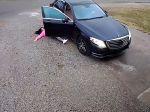 Video: Žena chcela vystúpiť z auta, no poľadovica jej bola osudnou