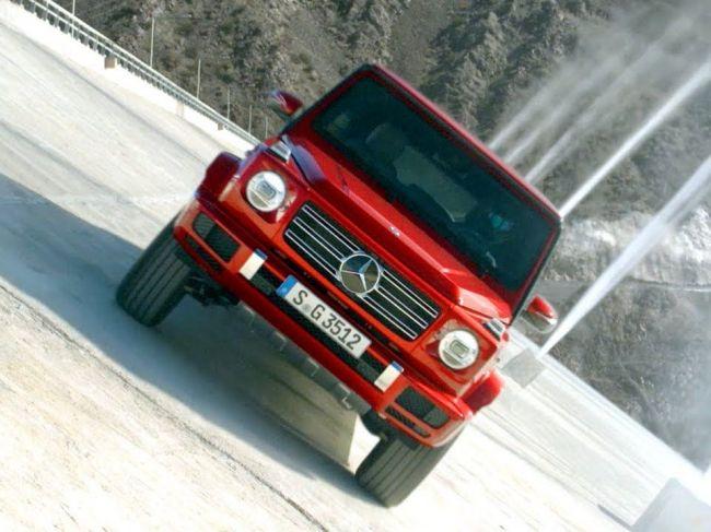 Mercedes-Benz Triedy G sa postavil proti gravitácii! Pozrite si neuveriteľné video