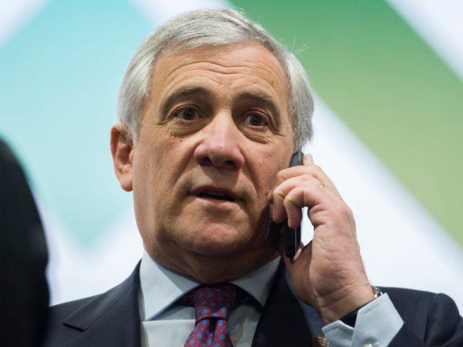 Predseda europarlamentu Tajani sa pozitívne vyjadril o Mussolinim