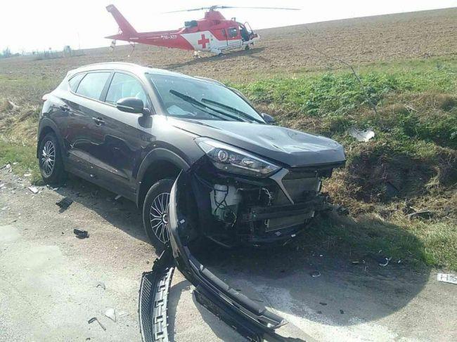 Hasiči zasahujú pri hromadnej dopravnej nehode, na mieste je vrtuľník