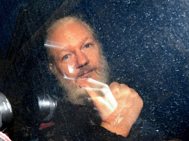 Spojené štáty obvinili Assangea zo sprisahania s Manningovou